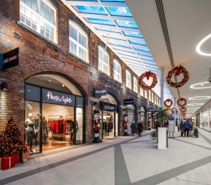 Christmas sales hit record high at Swindon's Designer Outlet centre as shoppers hunt down bargains