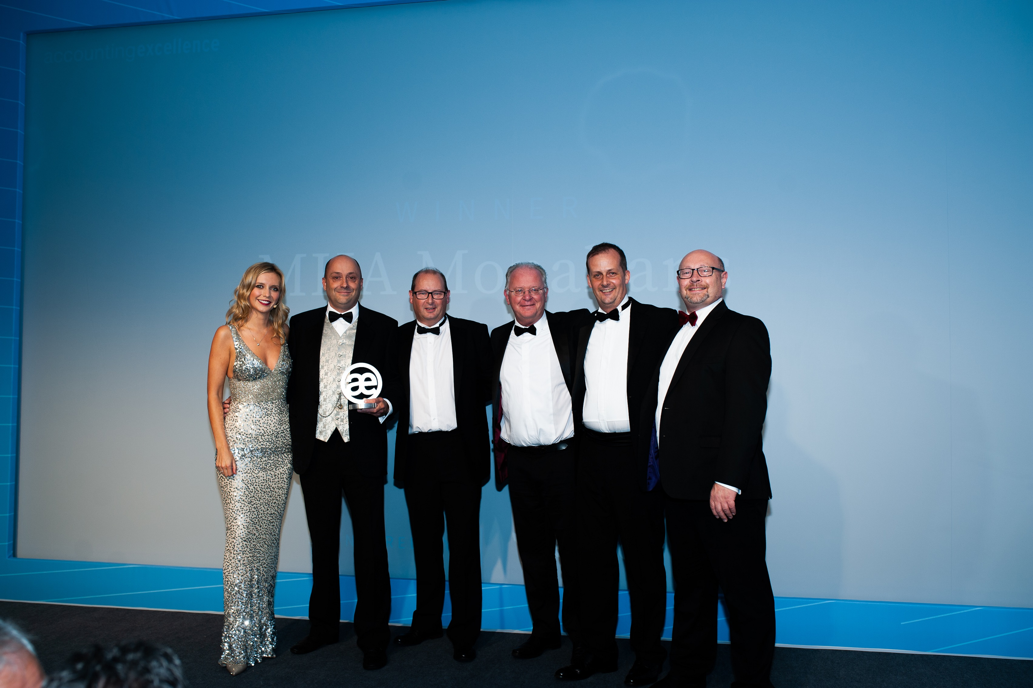 No conundrum as MHA Monahans picks up top accountancy growth award from Countdown star